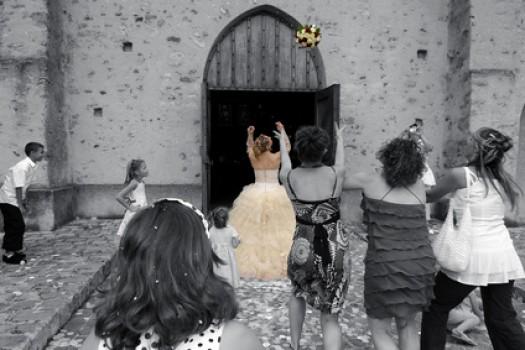 Prêtes pour le lancer du bouquet de la Mariée ?
